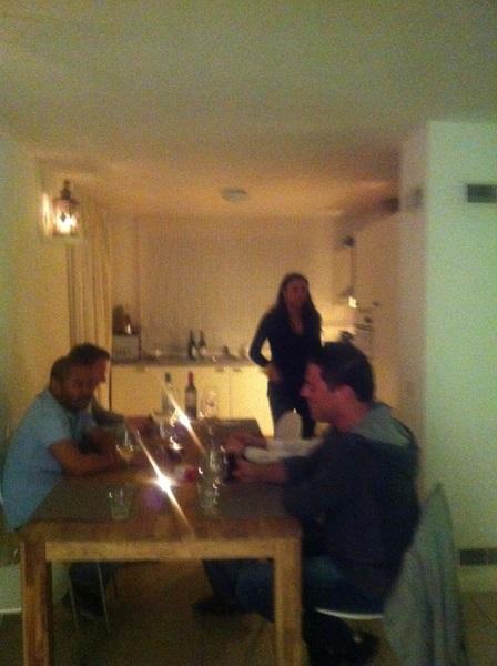 Gezellig happen, indisch rules. Nice cooking by Miss Maryse #gezelligheid #natafelen