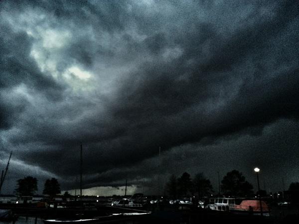 Donkere wolken boven Loosdrecht :-)