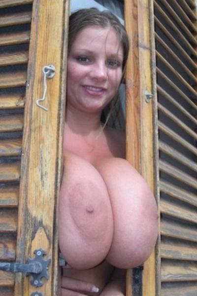 #TittyTuesday #BigBoobs @Boobworld little squeeze action!!