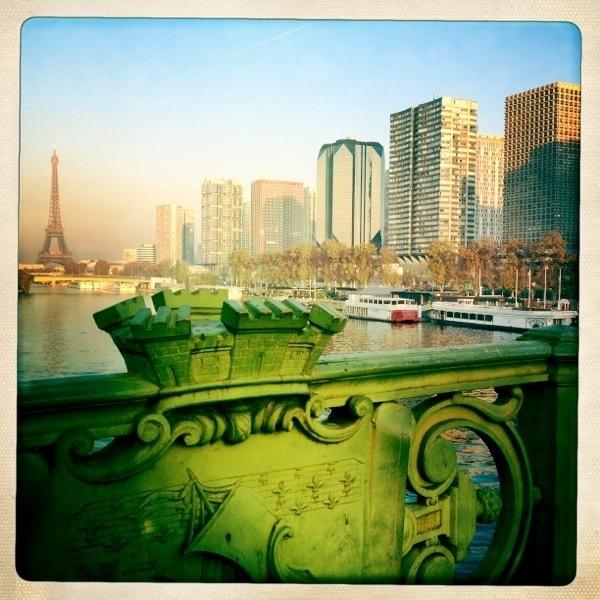 20111121 walking in Paris  3/ Pont Mirabeau #Potd #IPhone4S #Hipstamatic