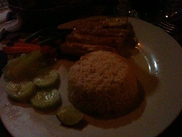 Grilled mahi mahi with veggies, garlic and rice