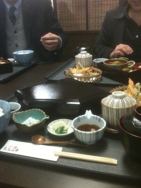 結婚祝いにECC社会貢献センターの三木先生と東口先生からランチにお誘いいただき、ご馳走していただきました。感謝です! 花谷山中の美味しい定食。