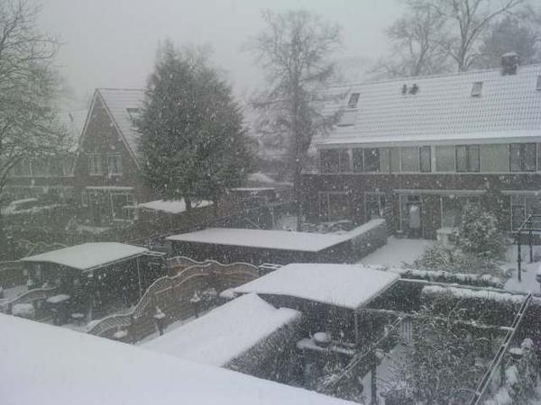 Wauw. 't sneeuwt HAAARD