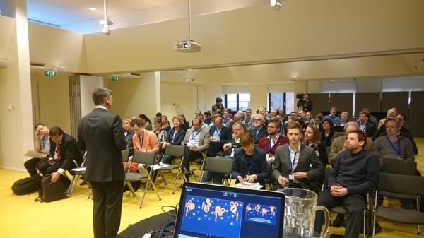 Bernard Welten opent eerste (rijks)overheidsbrede werkconferentie Blockchain. Mooi volle bak!