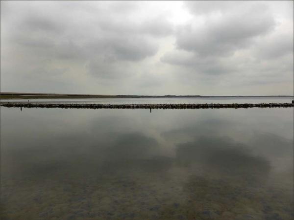 Verstild #wolken #water #natuur #koud #grijs #koepeltje #scharendijke