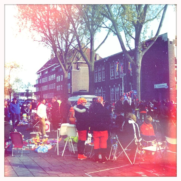 Starting to get busy on the Hogeweg #queensday