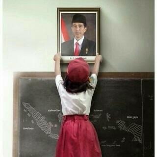 selamat pak #presidenbaru @jokowi_do2 ini adalah kemenangan rakyat indonesia! ✌