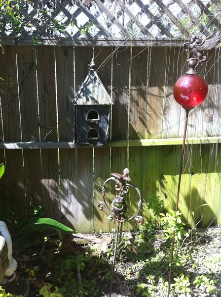Oh how cool! Birds actually made a nest in this birdhouse I got for decoration :-)