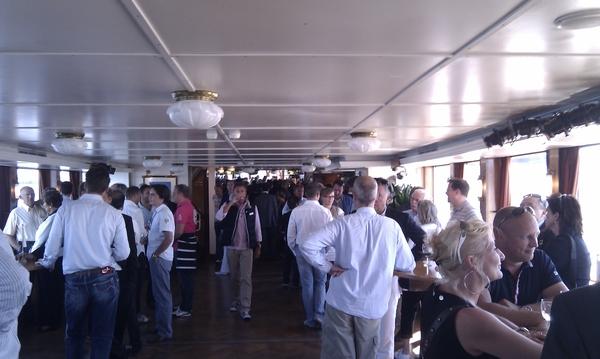#sail2010 vanuit een overdekte boot, dat is dan toch weer jammer....