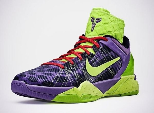 Not sure what is prompting it but I love Kobe displaying his kick game.