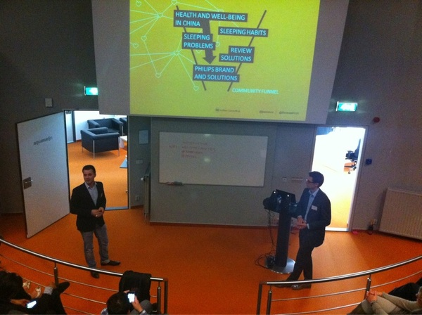My colleague @thomastroch together with @jonnevw presenting the #Philips sleep well community case #smartees #insites