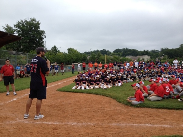 Brandon Beachy welcomed 40 teams participating in the Braves Youth Baseball Classic this weekend. #BravesInTheCommunity