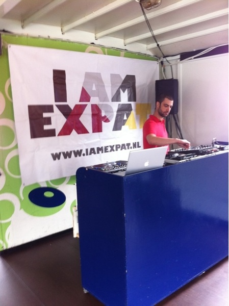 Setting up the decks for Del Mar, the IamExpat boat party!