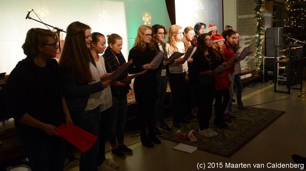 Het #kerstkoor tijdens de #kerstviering van @rodenborch #rosmalen