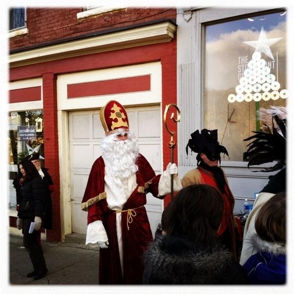 Sint and a grumpus (historical representation of Zwarte Piet)