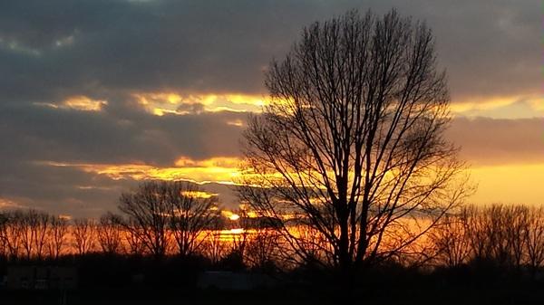 Sluis Grave prachtige zonsondergang #buienradar