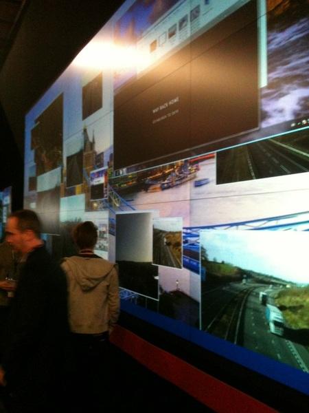 Nog zo'n enorm scherm, te gebruiken voor onder meer verkeersleiding. #ISE2012