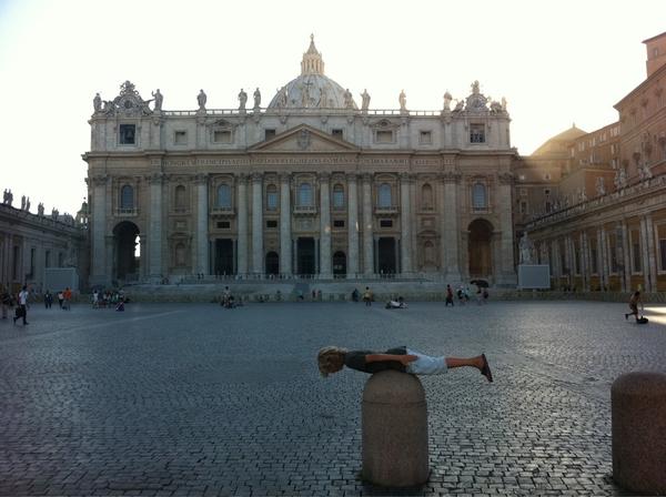 Zou de Paus vragen gaan stellen over #planking #Rome #St.Pieter