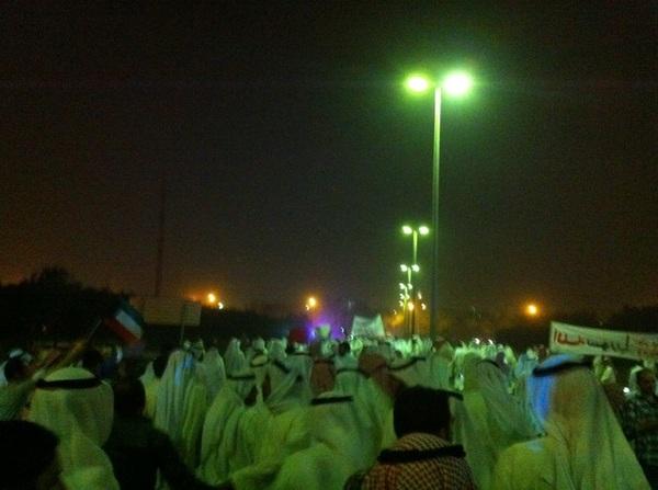 المسيرة عند السفارة السورية :  المسيرة تتجه للنقطة الأولى مسجد العمر  #kuwait #k8 #daraa #Syria #ksa #arab #q8