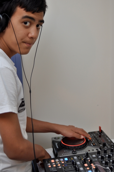 The Kevster with his new Pioneer CDJ-400 - now he needs to save up for one more! :)