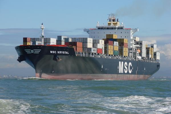 #imagensdomar #navios #historia MSC Krystal, o primeiro navio pós-Panamax a escalar no Itajaí-Açu:
