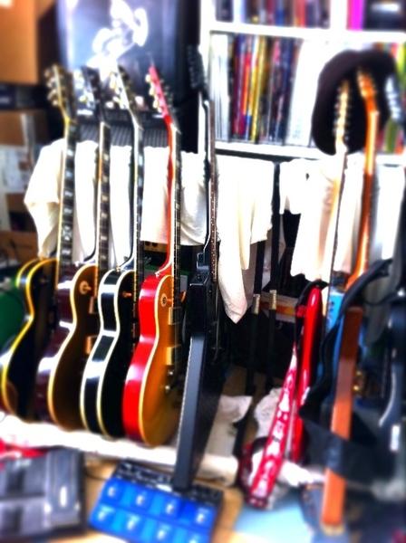 @LaChaineGuitare Guitar Time aussi, mais à la maison