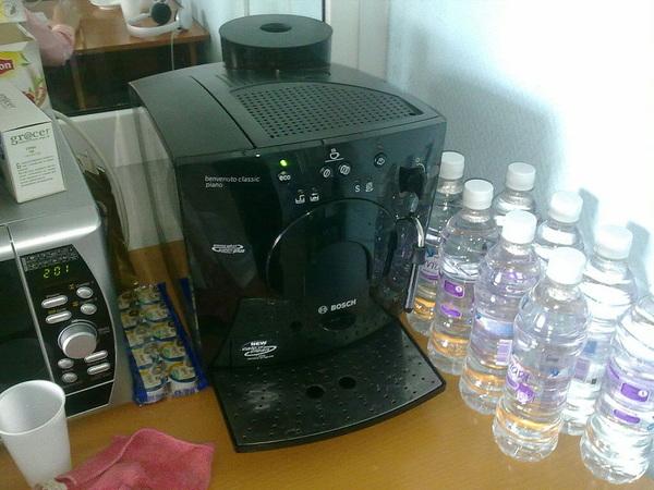 Я офисная кофеварка. Я не хочу ничего варить, я хочу вжжжж! вжжж! пссс! пссс! пщщщщ! пщщщ! вжжж!
