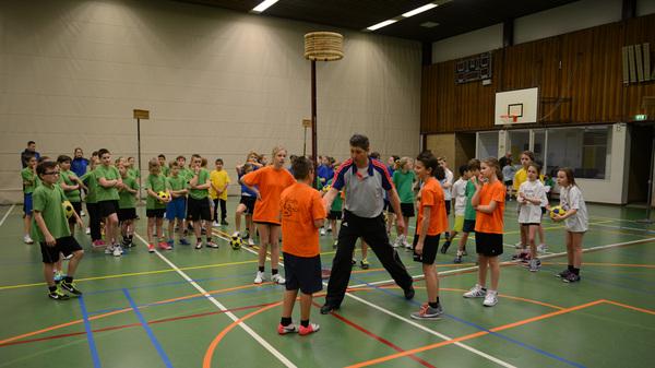 Vandaag #korfbaltoernooi in #hazelaar #rosmalen van @sportrosmalen met oa clinic voor @bstven @bsjeroenbosch @bsdeoverlaet