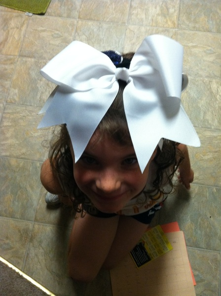 @NicoleJager1 @inFamousKAE  @JustinTuckNYG91 @Humble83 @TerrellThomas24   @clifft0430 big enough bow?? So proud of her