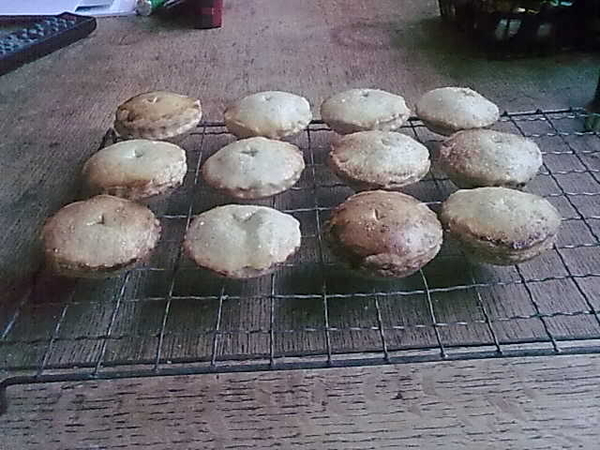 D thebeatcroft Mince pies are done, cheesecake in the fridge. Bowmore 12 next? No sun so no yardarm...