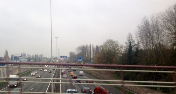 Vanaf vandaag gaan er 620 heipalen de grond in! #geluidscherm #herrie #a20 @rotterdam