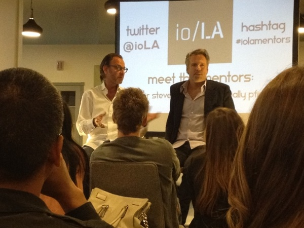 fascinating discussion Fisher Stevens & Wally Pfister superiority of film/death of 3D/ death of cinemas #iolamentors
