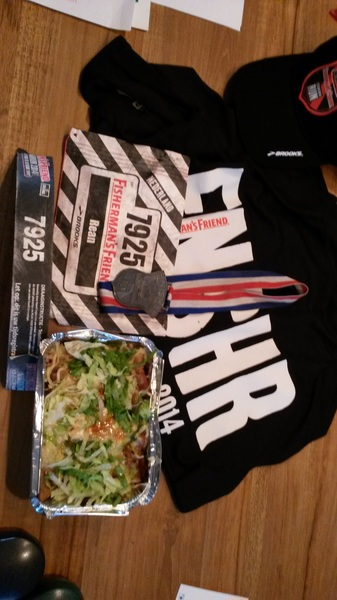 Kapsalon als beloning na 21 km & 33 obstakels in 2u31bij de #strongmanrun