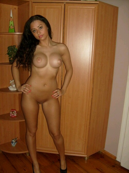 full nude #brunette @onlybadchicks @nsfwtweeters1 @thesexpedition @selfshotbabes1