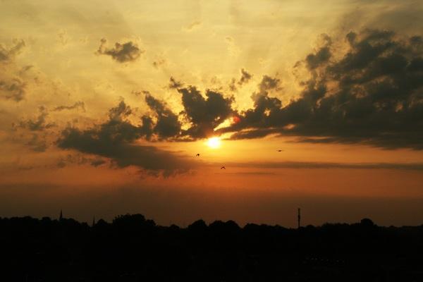 Mooie zonsopkomst in Sittard vanochtend. #buienradar