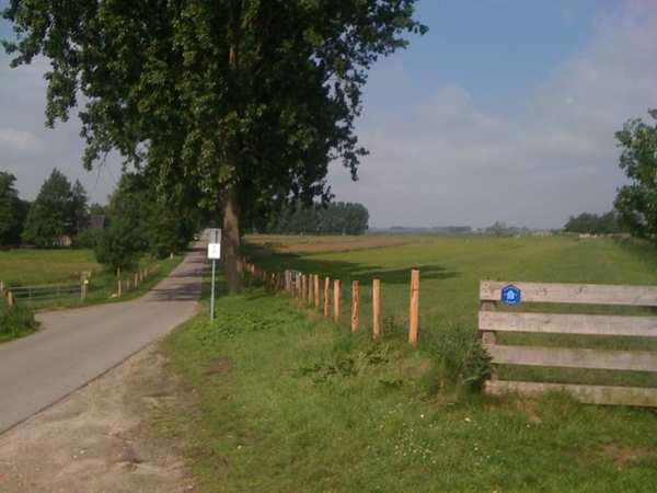 Het mooie van fietsen, je komt nog een ergens   http://moby.to/o3thbm