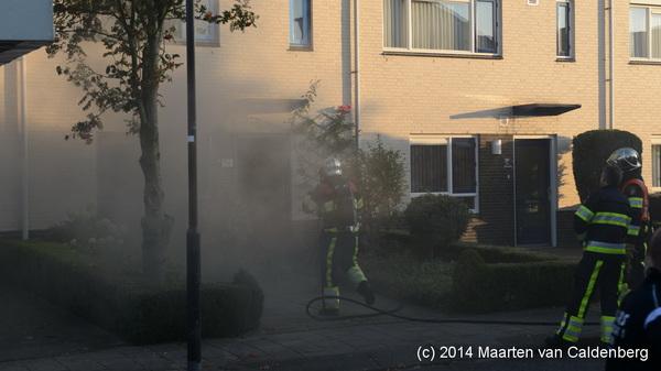 Flinke #rook buiten bij #brand Pastoor de Leijerstraat #hintham
