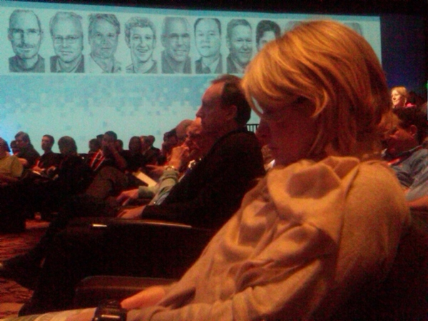 Martha Stewart showing her iPad proficiency with Rupert Murdoch in the background. #d8 #allthingsdigital