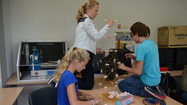 Wat kun je doen met #spekjes en @spaghetti ? Een #toren bouwen bij #talenttraject @rodenborch #rosmalen