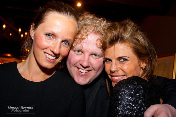 Goed voor mekaar @FrankWes ;-) zo maar met @kimkotter en @leonieterbraak op de foto!