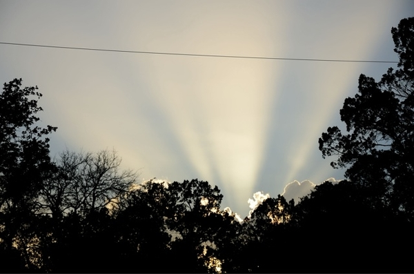 Fabulous rays as the sunset... @mytexasweather @JimCantore