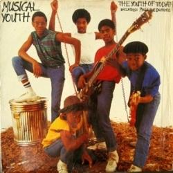 """In de zomer van 1982 luisterde ik veel naar het nummer \\\""""Pass the Dutchie\\\"""" van Musical Youth, \\\""""The youth of today\\\"""" http://bit.ly/2ivy http://prbt.nl/OMH8EIBB #projectbt"""