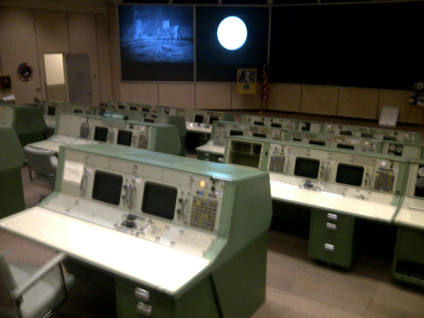 @nasa Amazing control Room Appolo in 1969. Super primative but it works!