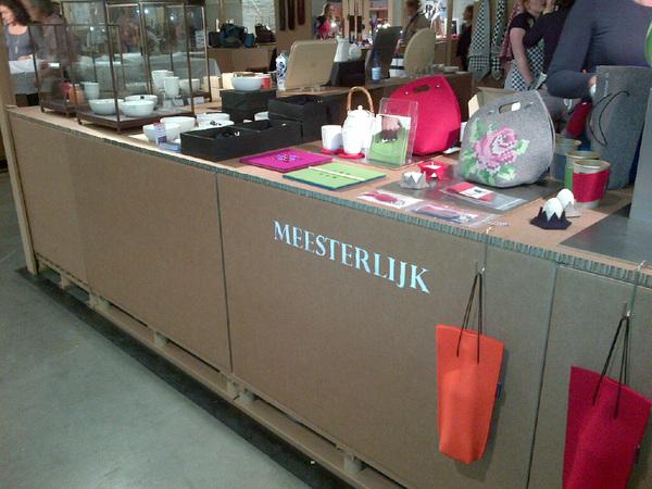 Brilliante kartonnen stands bij http://meesterlijk.nl erg mooi gedaan
