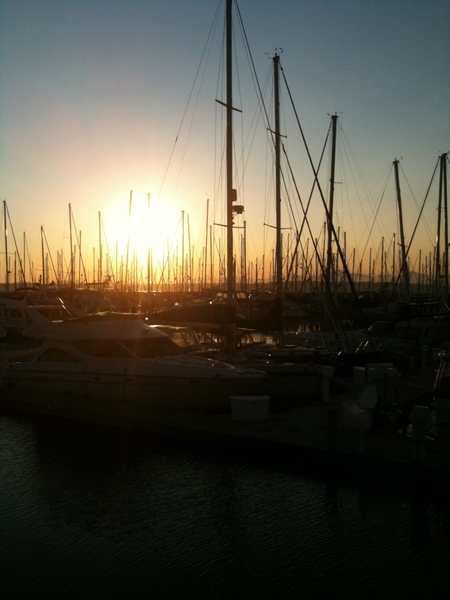 A chill night for sailors at Shilshoal bay marina in Seattle at sunset tonight. #sailboat