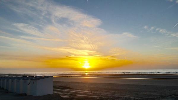 #zonsondergang#zomer#strand#zee#nieuwpoortbad #buienradar