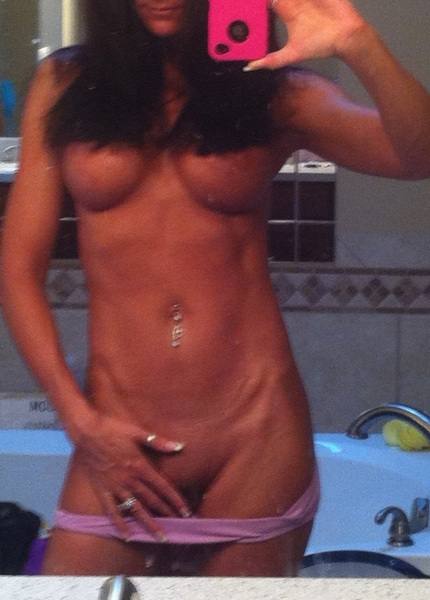 Mmmm...i love to get naked for you #MirrorMonday @SelfPhotos @boobnews @assnews @SexyLadyShow @XXXBoobs @XXXFitgirls