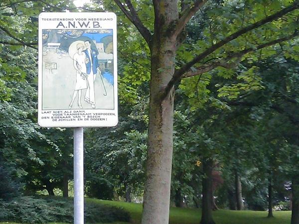 In de prinsentuin in Leeuwarden is de tijd even terug gedraaid naar begin vorige eeuw... -