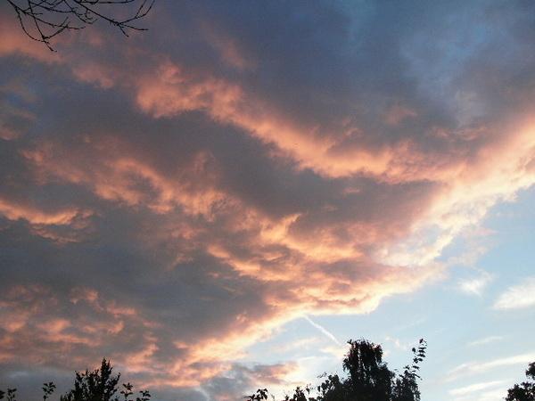 Voor de plensbui.,Prachtige rolwolken. #buienradar