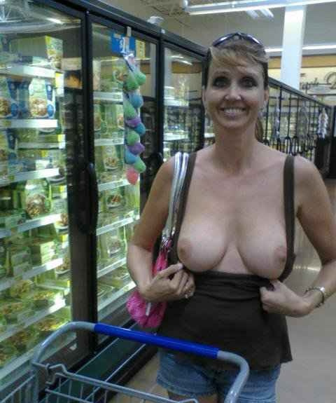 #public #flash #titseveryday #Twitterafterdark #PerverseHabits @WalMartHot @WeLuvAmateurs